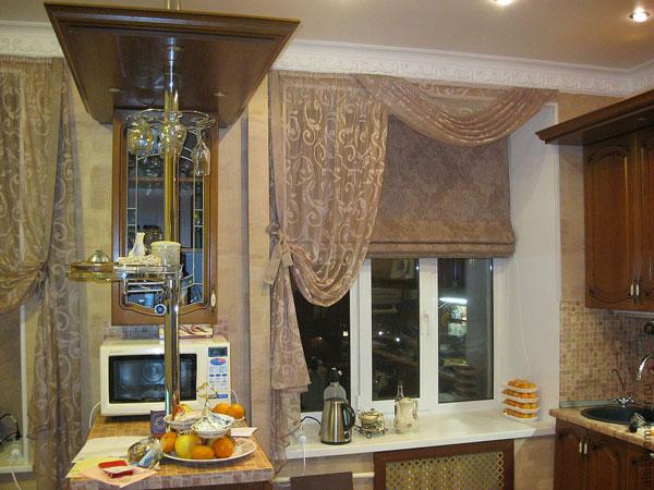 Римские шторы занимают очень мало места поэтому их рекомендуют использовать в маленьких комнатах