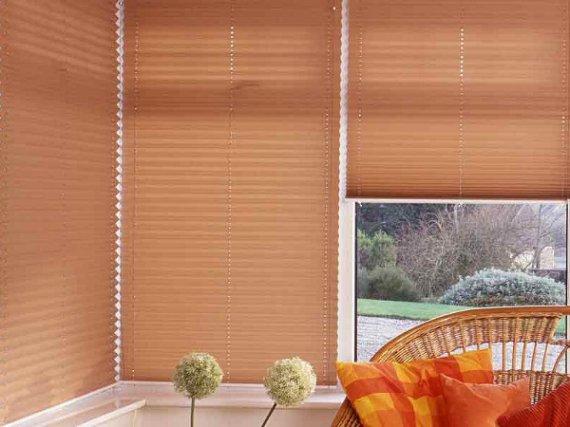 Выбираем шторы плиссе на пластиковые окна: фото идеи