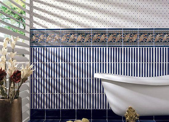 Красивый дизайн ванной совмещенной с туалетом, с отделкой красивой плитки в современном стиле.