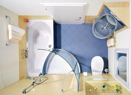 Уютная ванная комната с туалетом, душевой и ванной. Отличное сочетание.